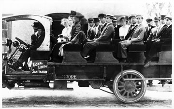 Teachers and students join in a medical-evangelistic tour in the Sanitarium truck, 1913.